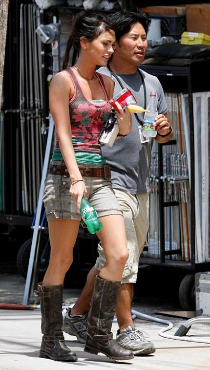 Megan Fox Filming Scenes For Transformers Revenge Of The Fallen In Venice Beach California