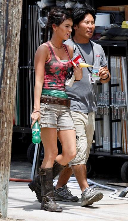 Megan Fox Filming Scenes For Transformers Revenge Of The Fallen In