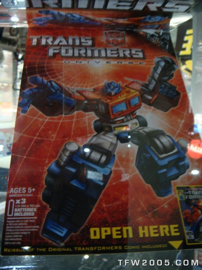 Toy Fair ou San Diego Comic Con (SDCC) de cette année: Nouveaux Jouets TF à venir et Exclusivités Sdcc-2008-transformers-036_1216853502