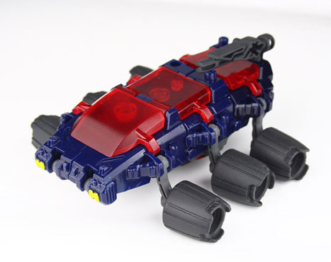 [TFClub] Rollo (mini bolide d'Optimus) devient robot | [TFClub] Gears of War 2: Fusils d'Optimus MPKIT031_1219072791