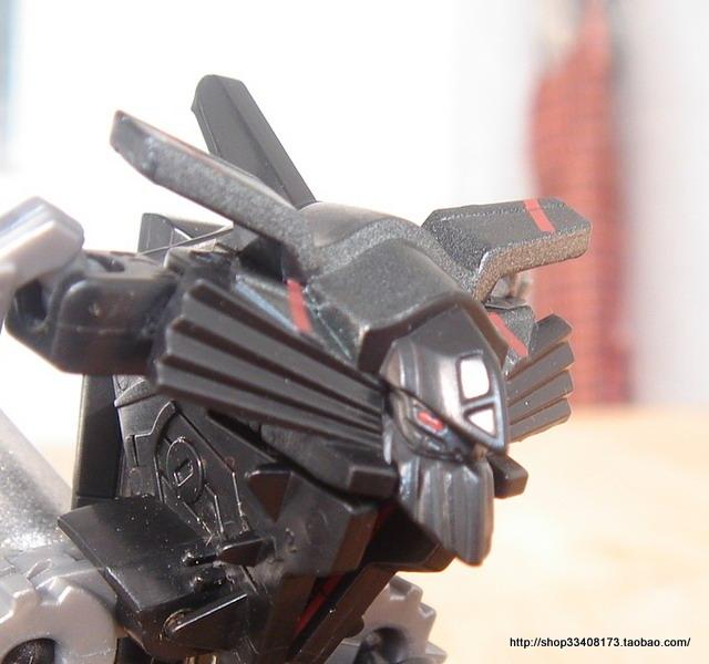More new images of Revenge of the Fallen Legends Jetfire ...