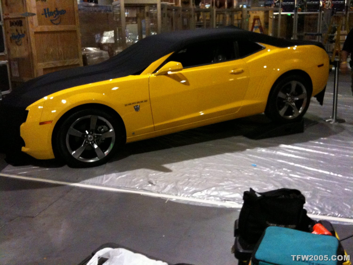 Early Peek At Autobot Edition Camaro At Comic Con Transformers