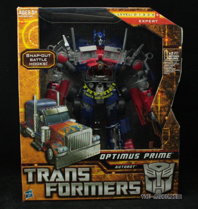 Action Figures do filme Transformers 2 - anunciado o Transformer Constructicon! - Página 3 Transformers-2010-optimus-prime-battle-hooks-package-front-1_1268743078