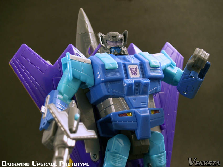 Transformers-Classics-Universe-Darkwind-Upgrade-03