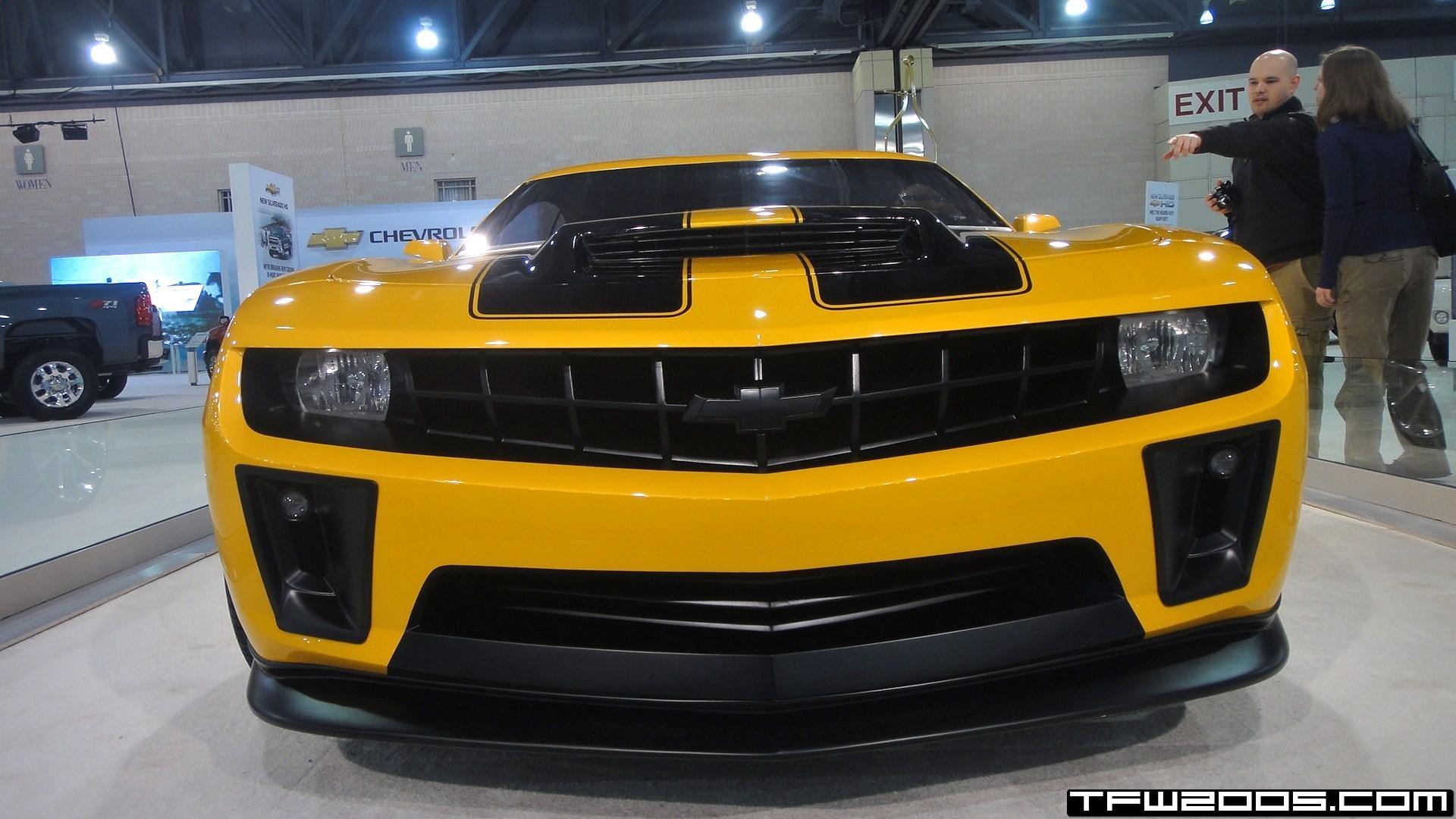 Transformers Movie Bumblebee Camaro Up Close ...