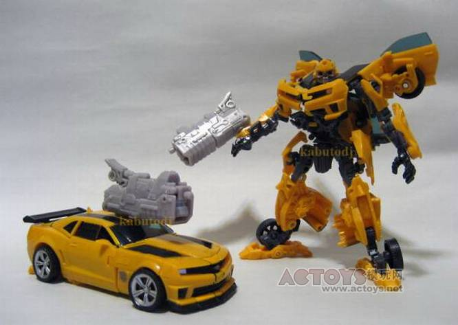 More Transformers Dark Of The Moon In Hand Images