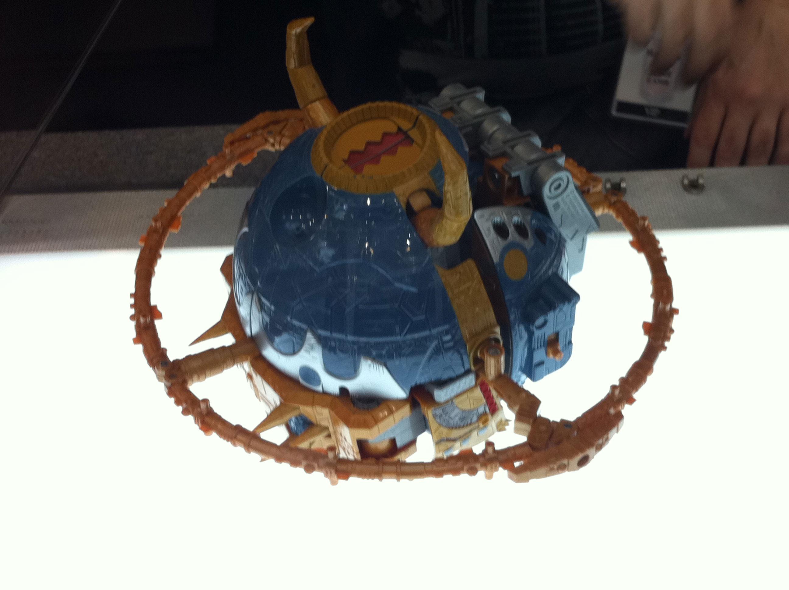 Jouet Unicron G1 (25e anniversaire) par Hasbro | Unicron 2010 par Takara Tomy Amazon-Exclusive-Unicron-06_1307217367