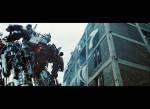 Transformers-3-Dark-Of-The-Moon-Stills-Sam-Lennox-Simmons-And-Optimus-3