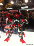 SDCC-2011-Dark-Of-The-Moon-Wave-4-Voyager-Ironhide-1