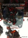 SDCC-2011-Dark-Of-The-Moon-Wave-4-Voyager-Ironhide-7