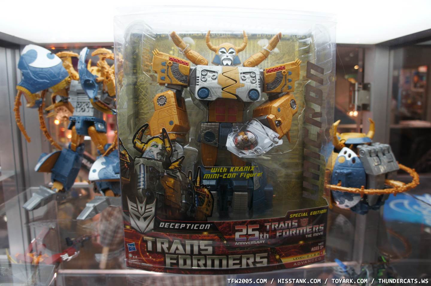 unicron-box-SDCC-11-001