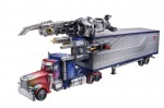 TF-Movie-All-Star-Optimus-w_trailer-vehicle-and-weapons-38840