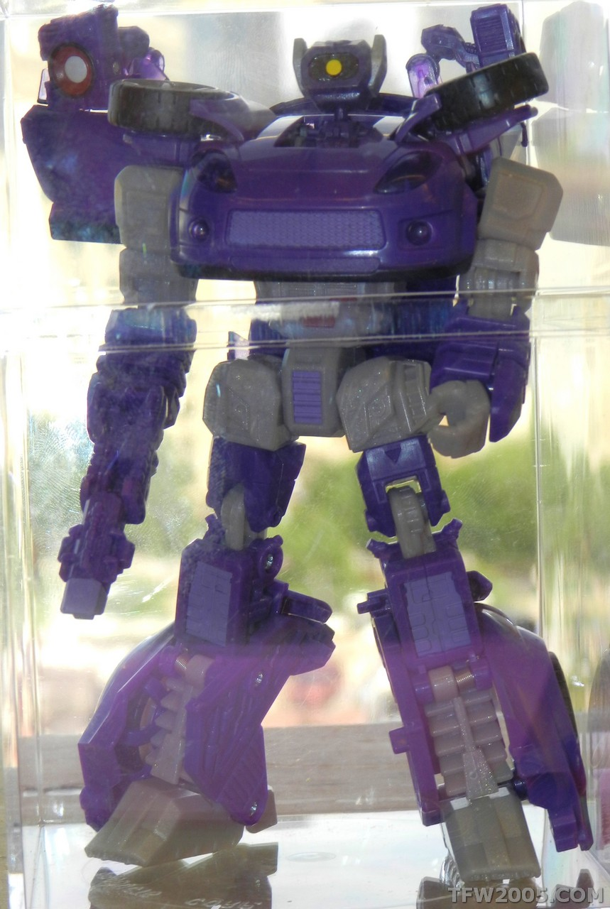 Botcon-2012-Alternators-Shockwave