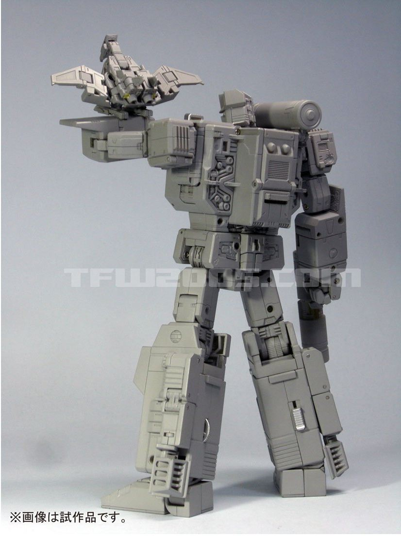 Masterpiece-Soundwave-03