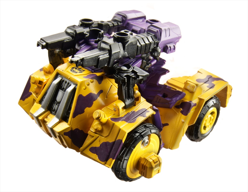 TRANSFORMERS_Exclusives_G2-Bruticus_Amazon_4_VH