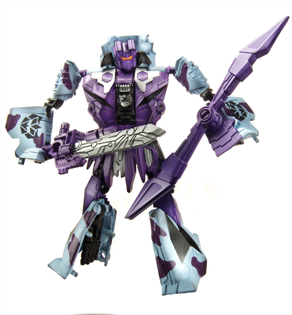 TRANSFORMERS_Exclusives_G2-Bruticus_Amazon_5_01
