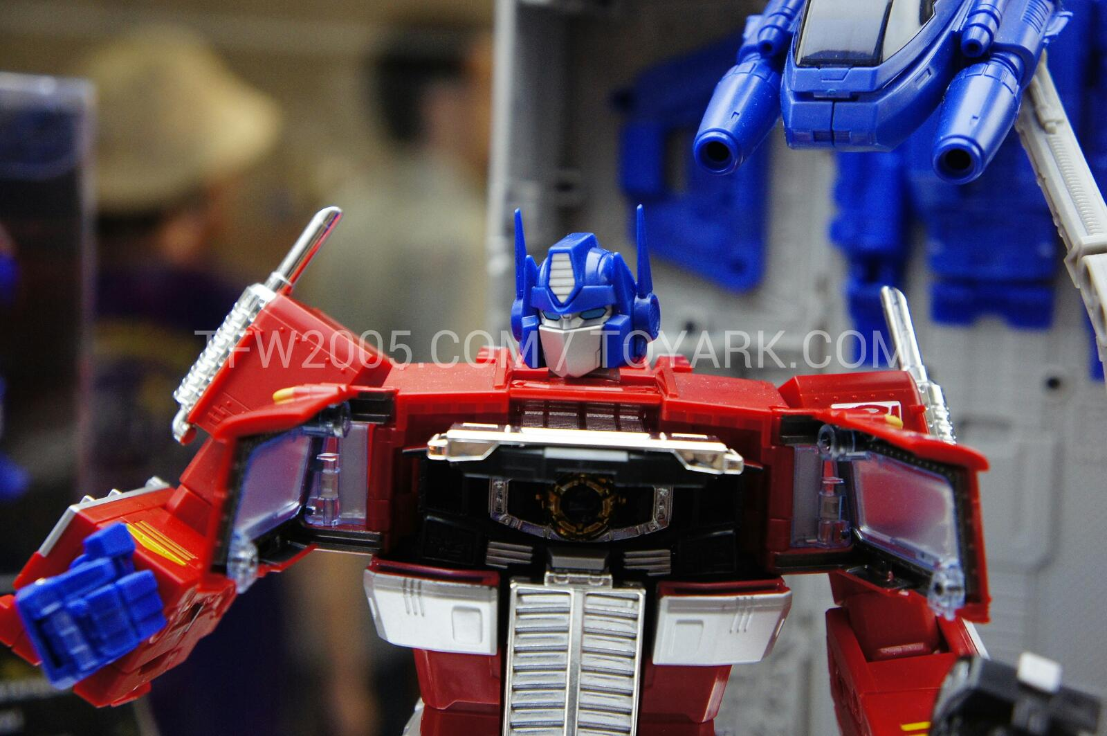 Hasbro Masterpiece Optimus Prime Will Cost You 9999 Transformers Mp 10 Convoy Additional Images Dsc3069