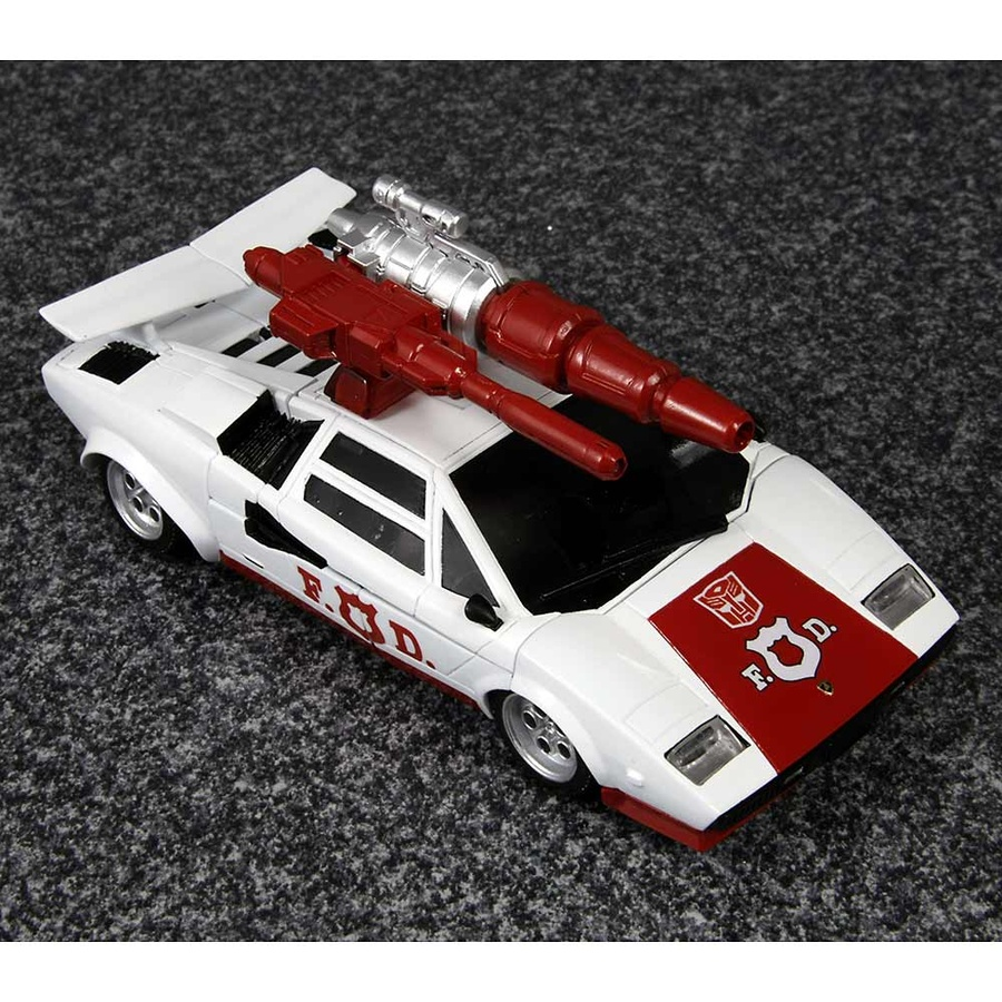 [Masterpiece] MP-14 Red Alert/Feu d'Alerte JLjnZB4vA1BW1_1345782088