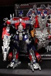 Hasbro-Asia-Striker-Optimus-Prime-03