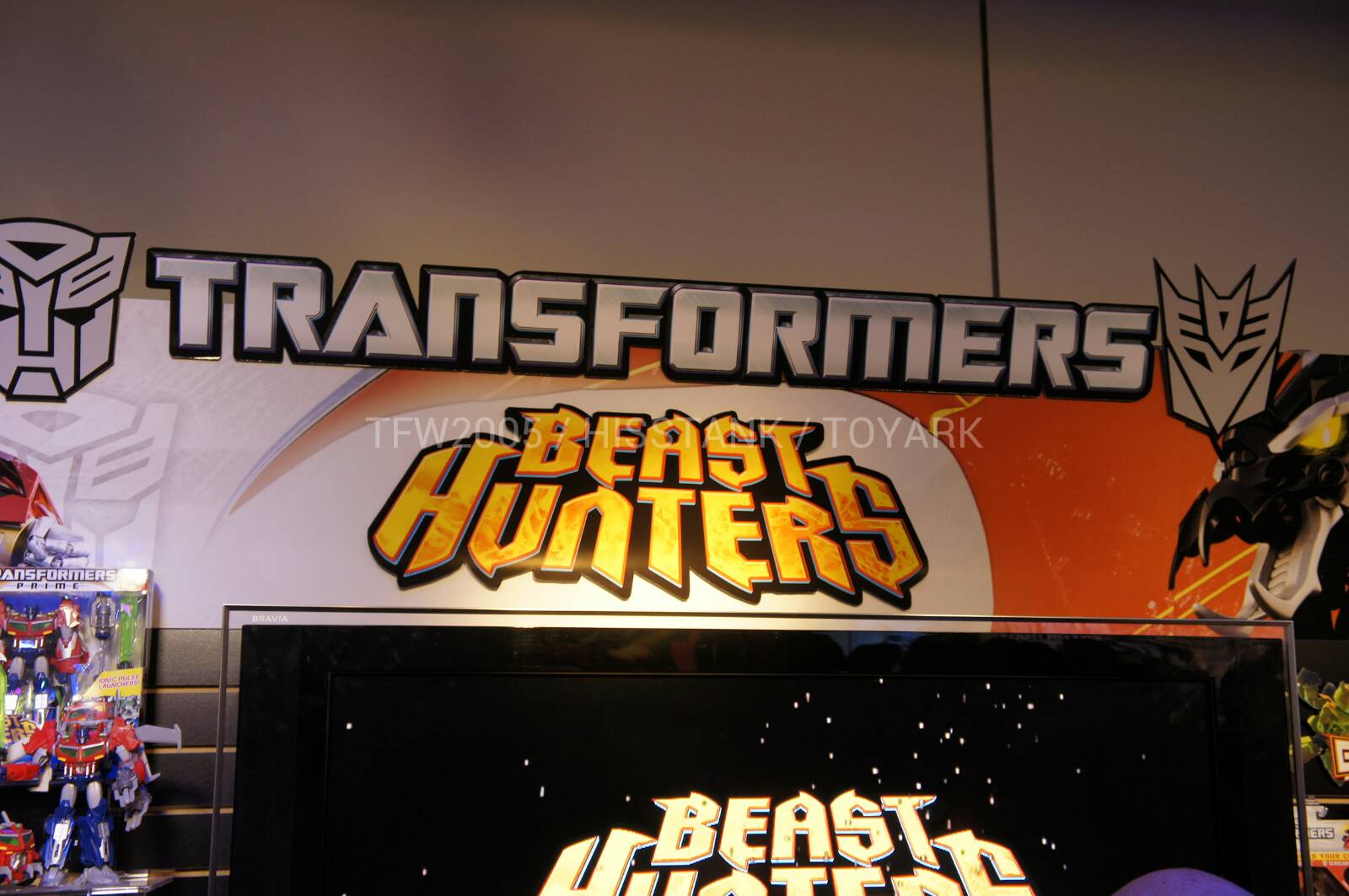 Transformers-Beast-Hunters-Toy-Fair-2013-001