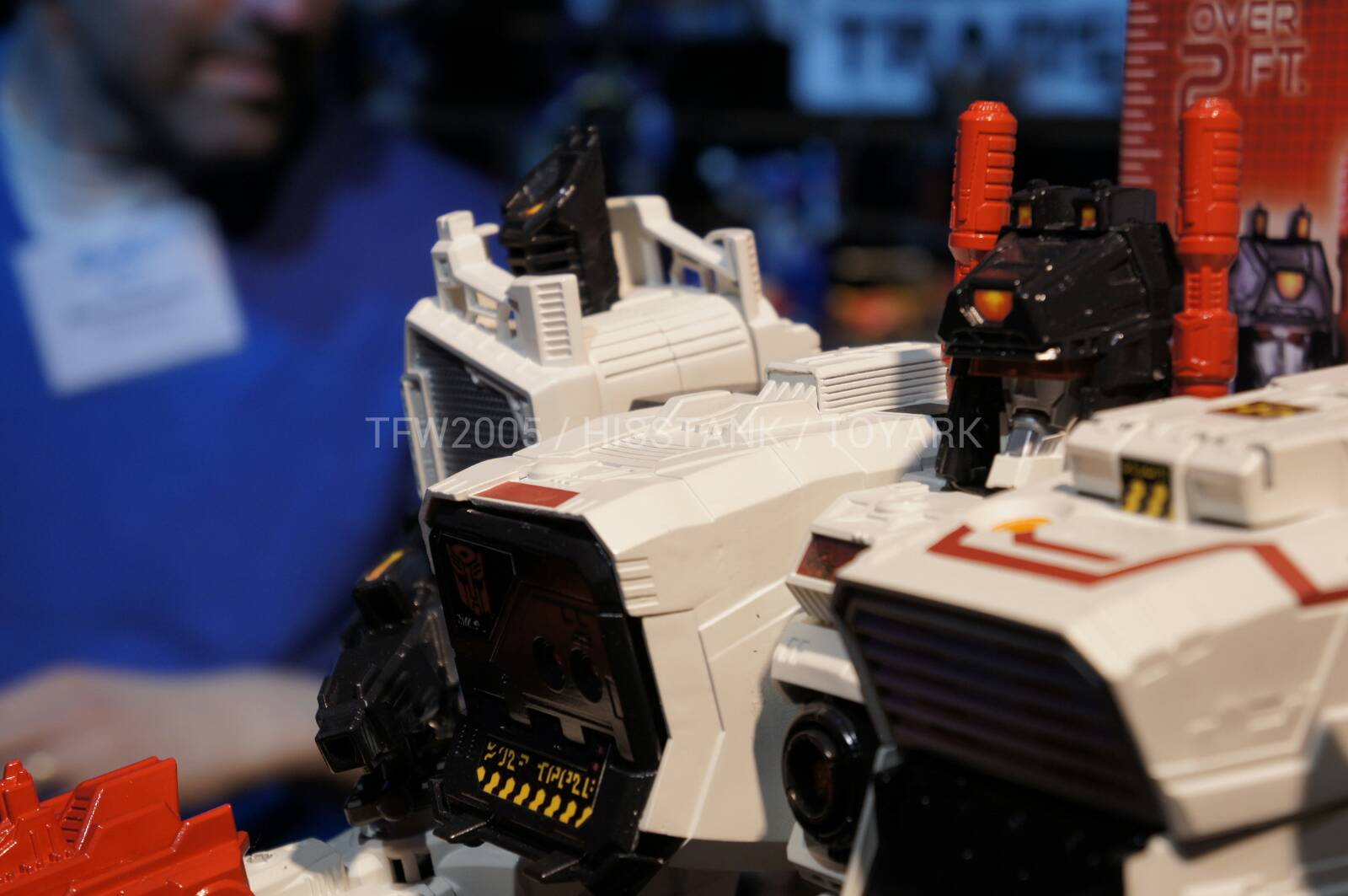 Transformers-Metroplex-Toy-Fair-2013-005