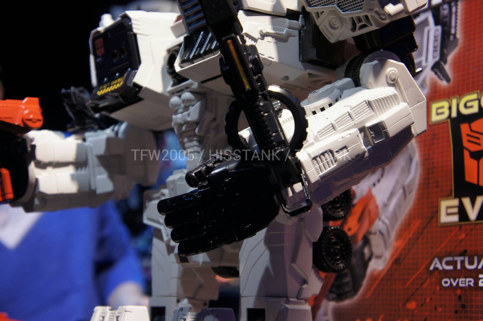 Transformers-Metroplex-Toy-Fair-2013-007