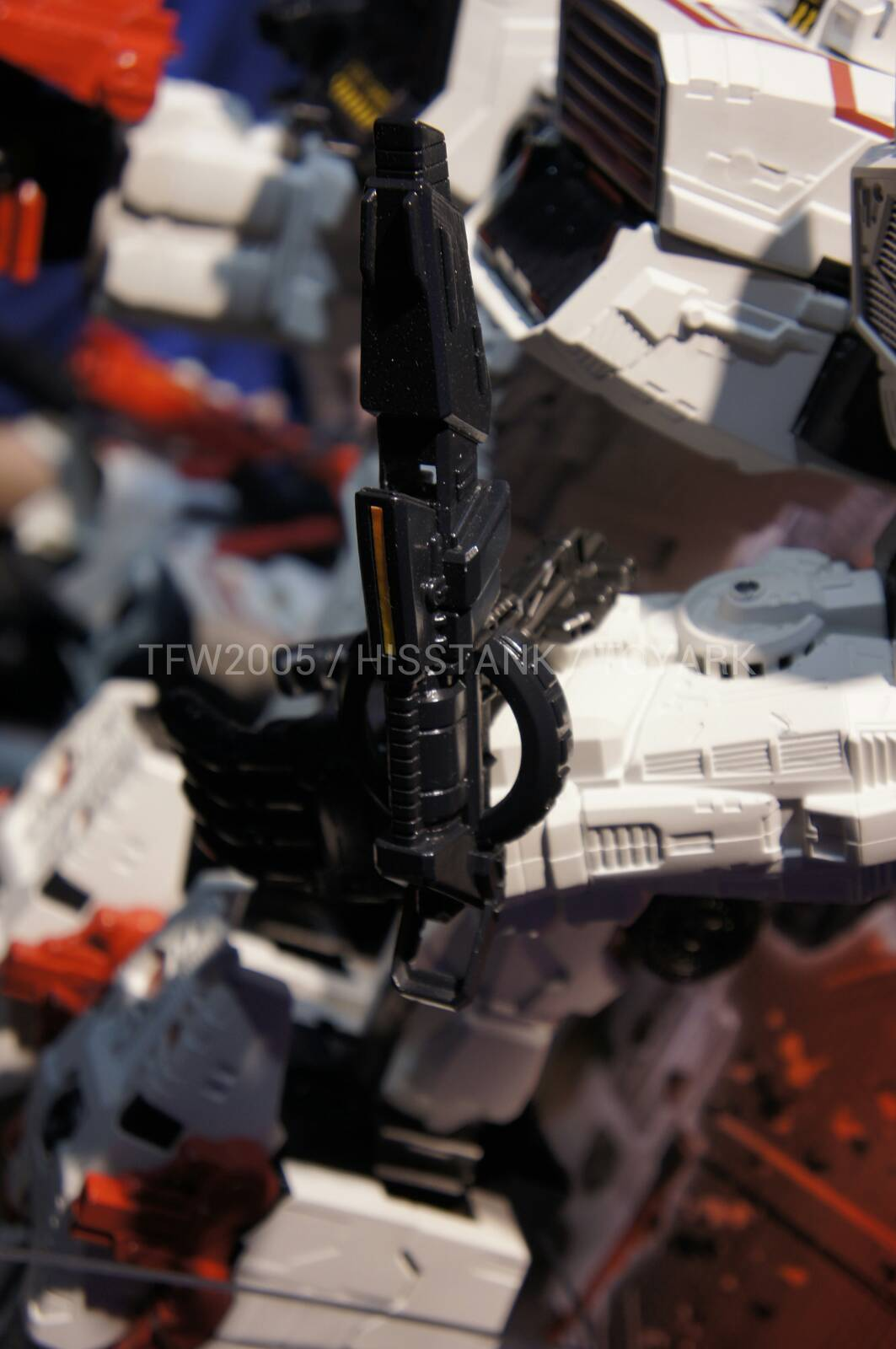 Transformers-Metroplex-Toy-Fair-2013-008