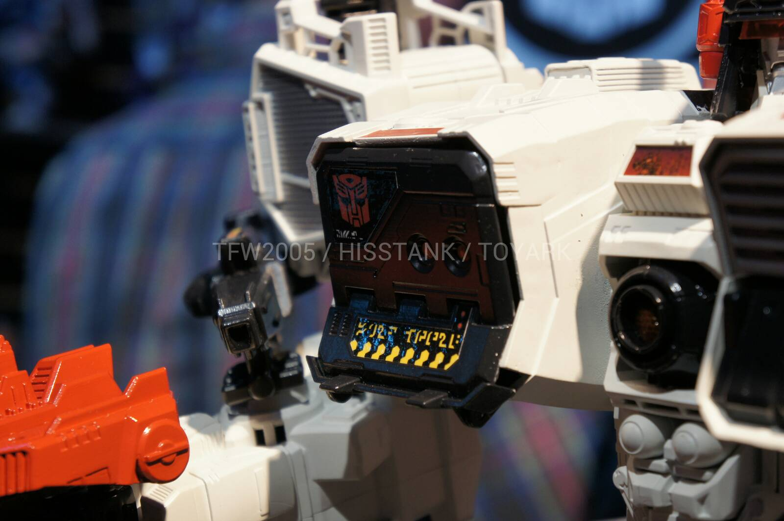Transformers-Metroplex-Toy-Fair-2013-012