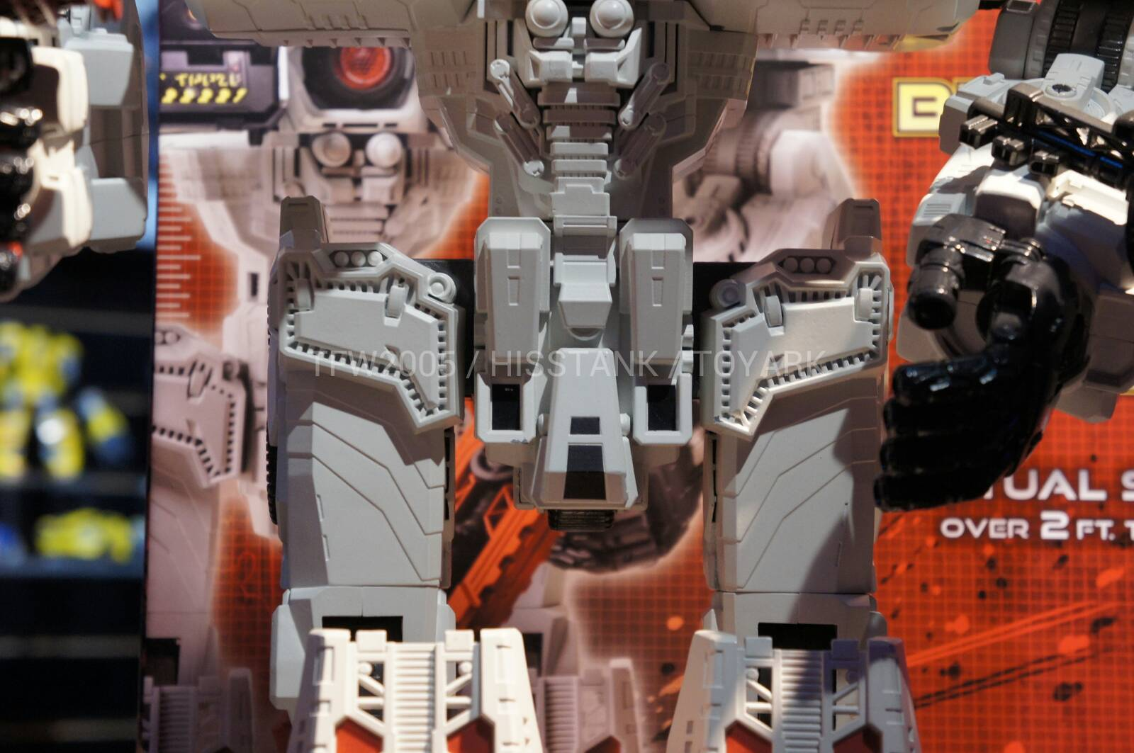 Transformers-Metroplex-Toy-Fair-2013-018
