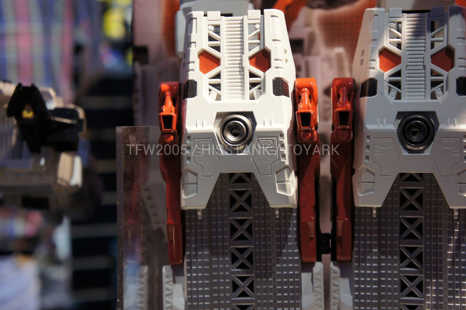 Transformers-Metroplex-Toy-Fair-2013-020