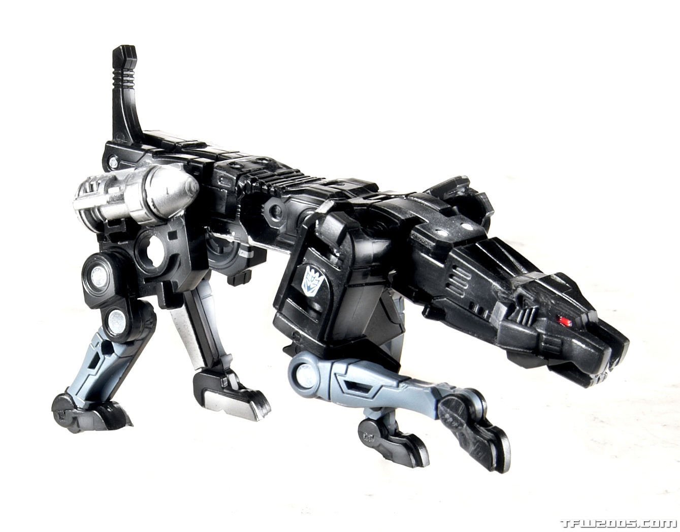 311420-Transformers-Masterpiece-Ravage_rs