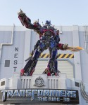Optimus-Prime-at-Universal-Orlando-Resort