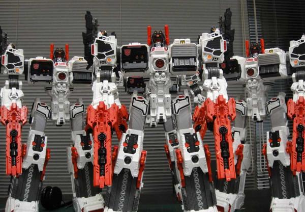 takara tg23 titan class metroplex revealed transformers