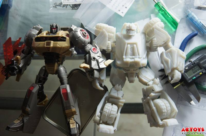 third party unofficial fall of cybertron onslaught