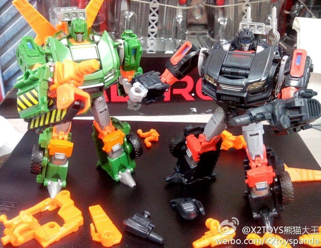 Produit Tiers - Kit d'ajout (accessoires, armes) pour jouets Hasbro & TakaraTomy - Par Fansproject, Crazy Devy, Maketoys, Dr Wu Workshop, etc - Page 3 Trail--Hoist-add-ons-Color-test-shots_1379073765