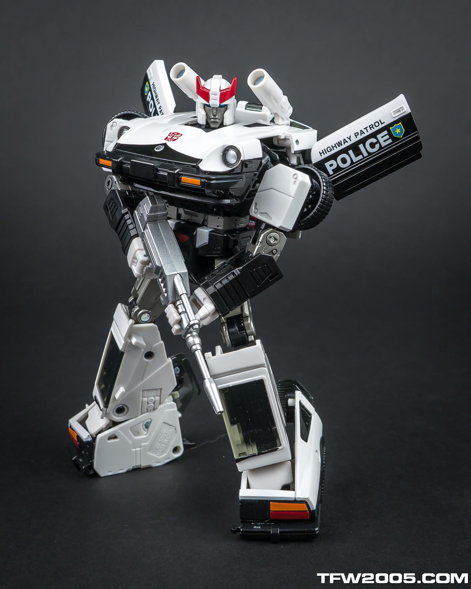 Transformers masterpiece prowl