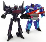 Dreadwing-with-Fall-of-Cybertron-Shockwave-Robot-1