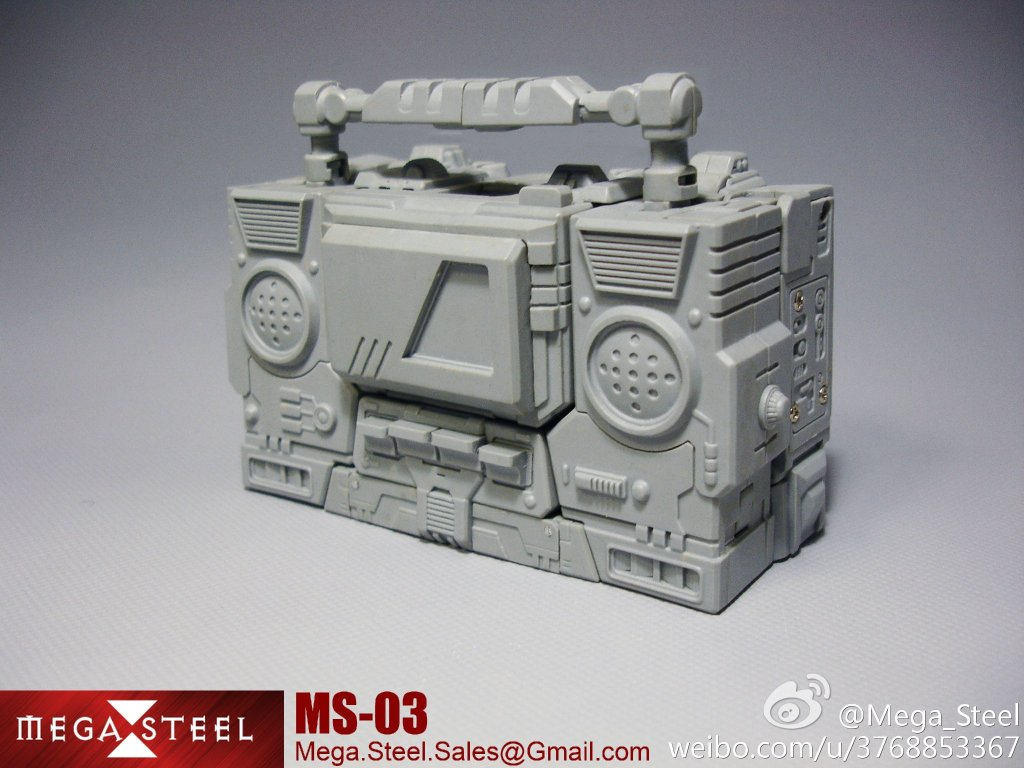 [Mega Steel] Produit Tiers - MS-02 (aka Soundwave/Radar) + MS-03 Buster (aka Blaster/Tempo) + MS-01 Tronus (aka Mégatron) IDW MS-01-Pic-3_1384437703