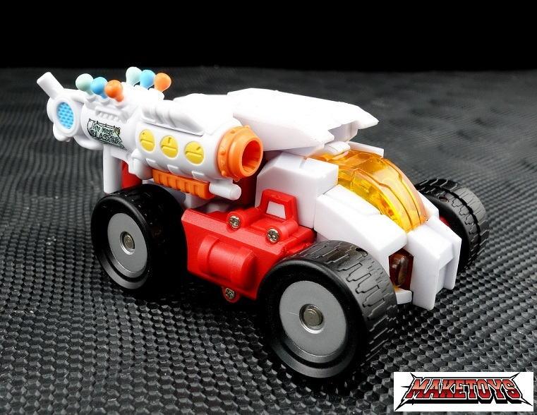 [MakeToys] Produit Tiers - Minibots, G2 Optimus, MM-01 Trashtalk & Cogwheel (aka Swerve/Embardo & Gears/Rollo), MM-02 Rear End (aka Tailgate/Hayon), MT-03 Hyper Novae (aka Nova Prime) d'IDW - Page 2 Myfirst5_1390667813