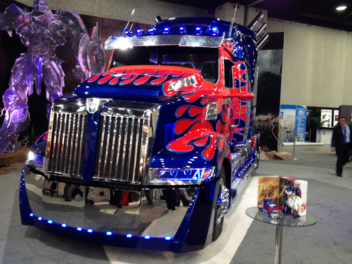 More Images Of Optimus Prime From Mats 2014 Transformers