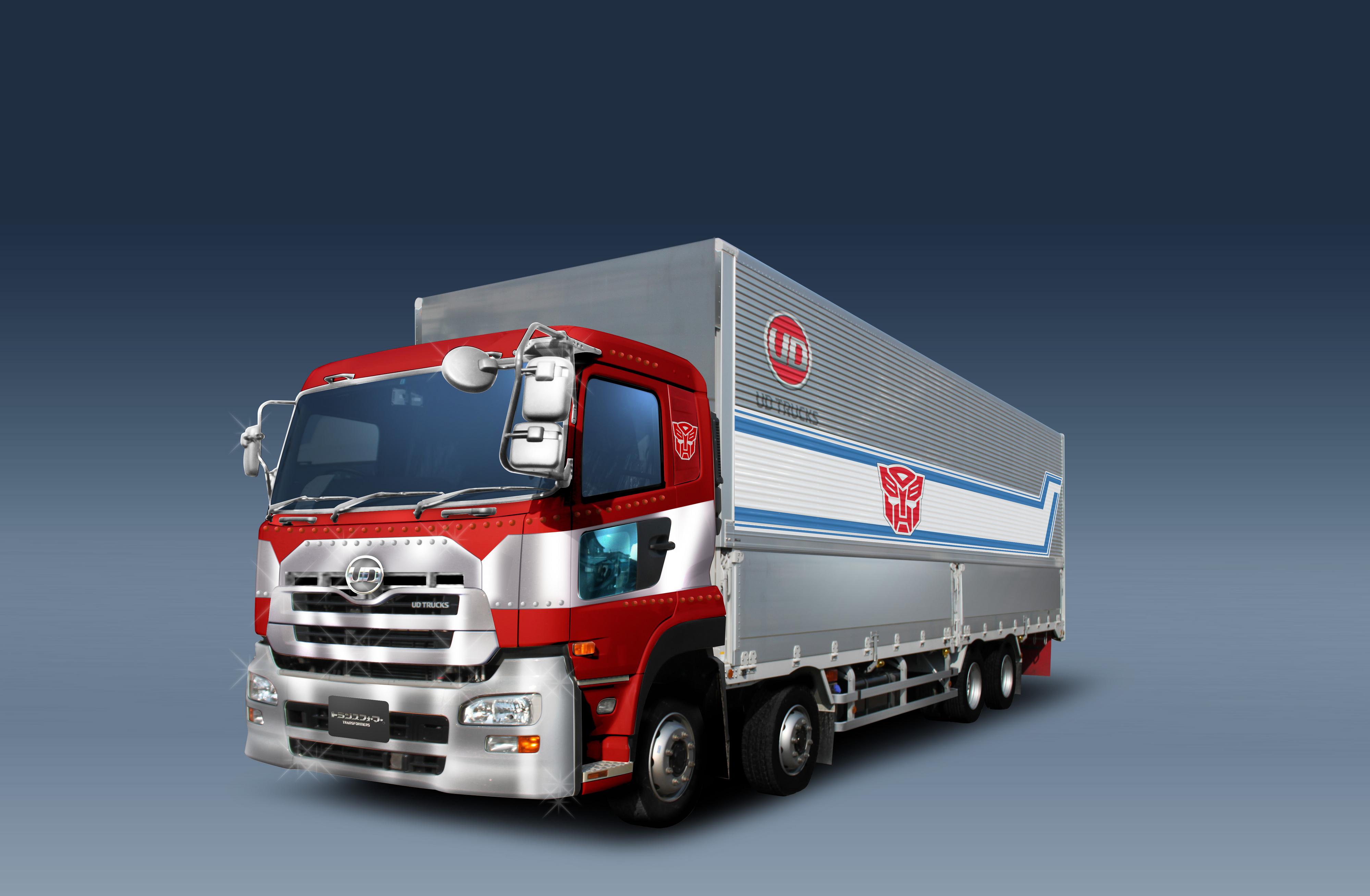 Takara-Tomy-30th-Anniversary-Optimus-Prime