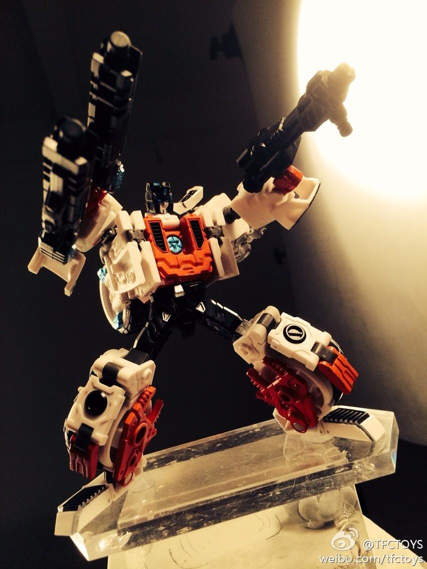 [TFC Toys] Produit Tiers - Jouets Prometheus (aka Protectobots - Defensor/Defenso) - Page 2 8271cf6ejw1eg751dsgyij20no0vkafv_1399637757