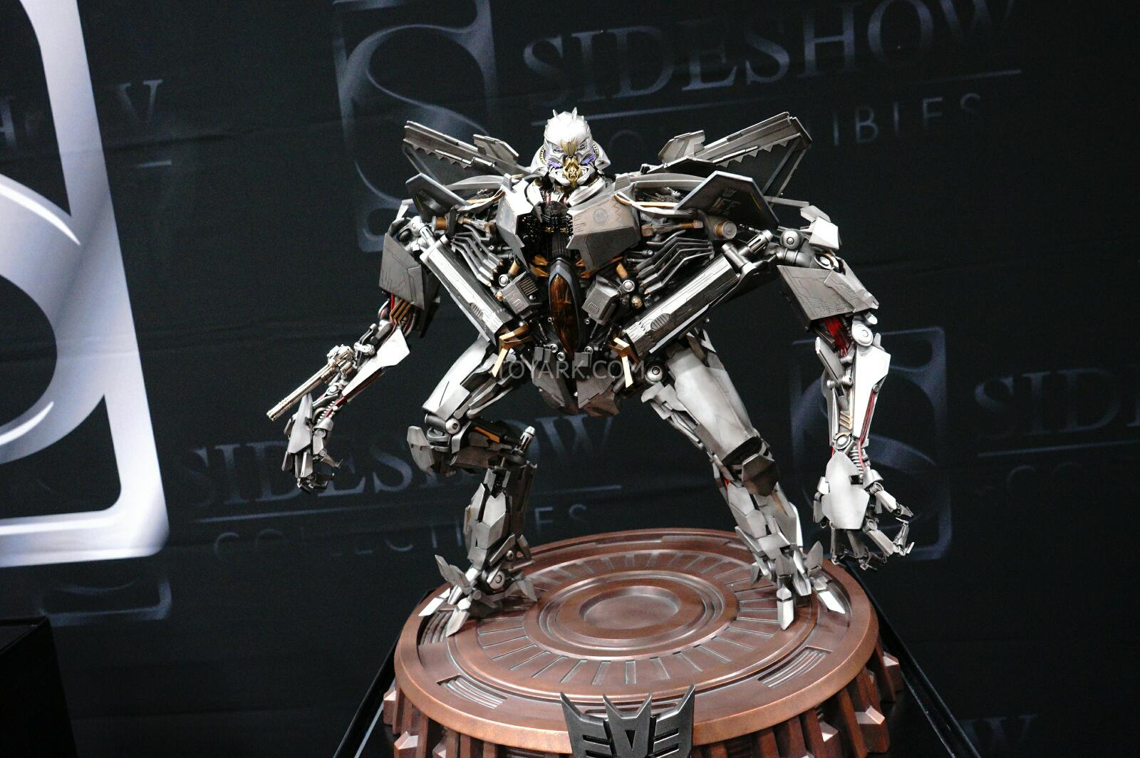 3rd party figure - Page 8 SDCC-2014-Sideshow-Transformers-Statues-020_1406176278