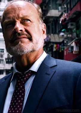 Harold-Attinger-Kelsey-Grammer-Transformers-4-Age-Of-Extinction-Michael-Bay