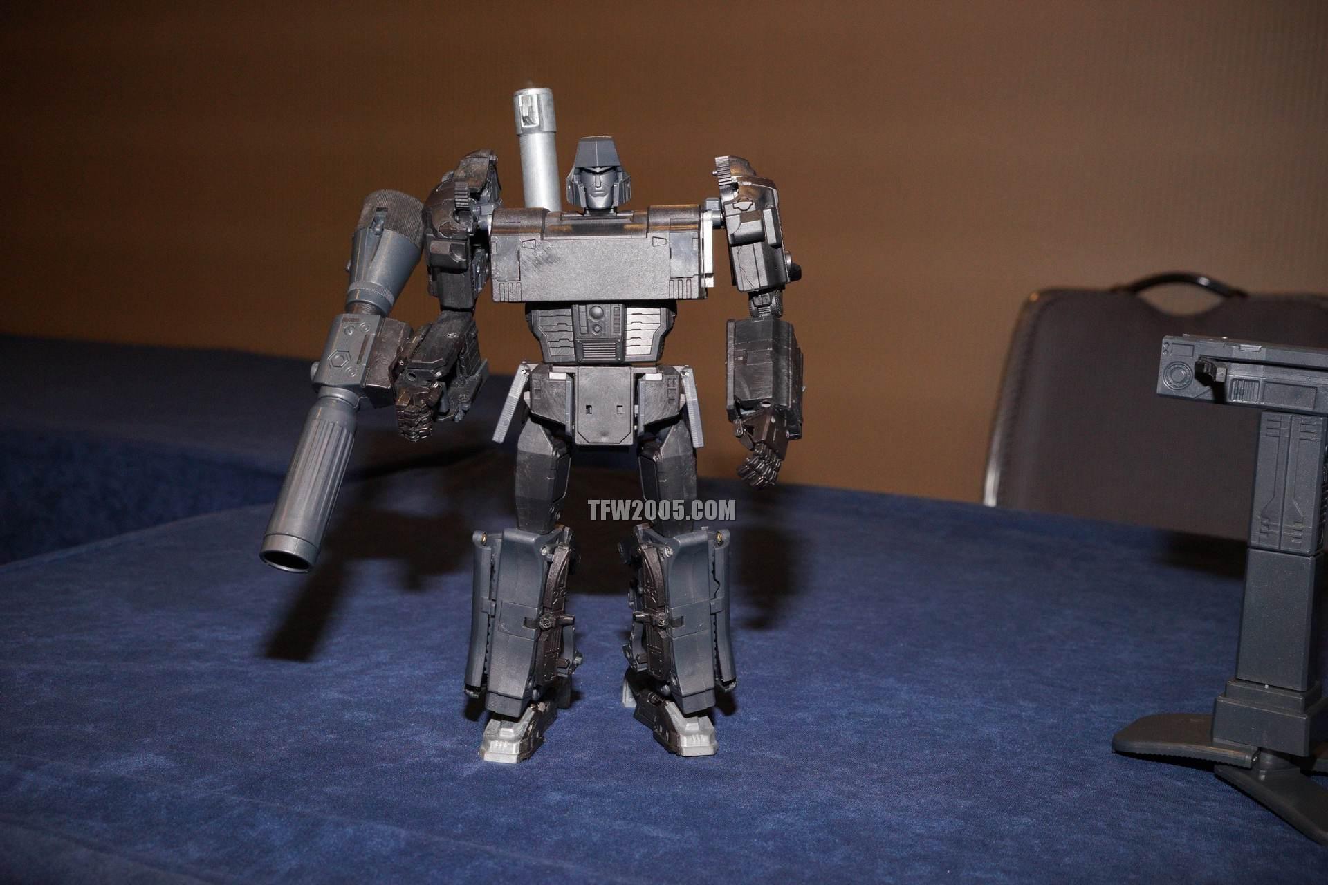 [X-Transbots] Produit Tiers - Jouet MX-1 Apollyon - aka Mégatron DSC08562_1414278766