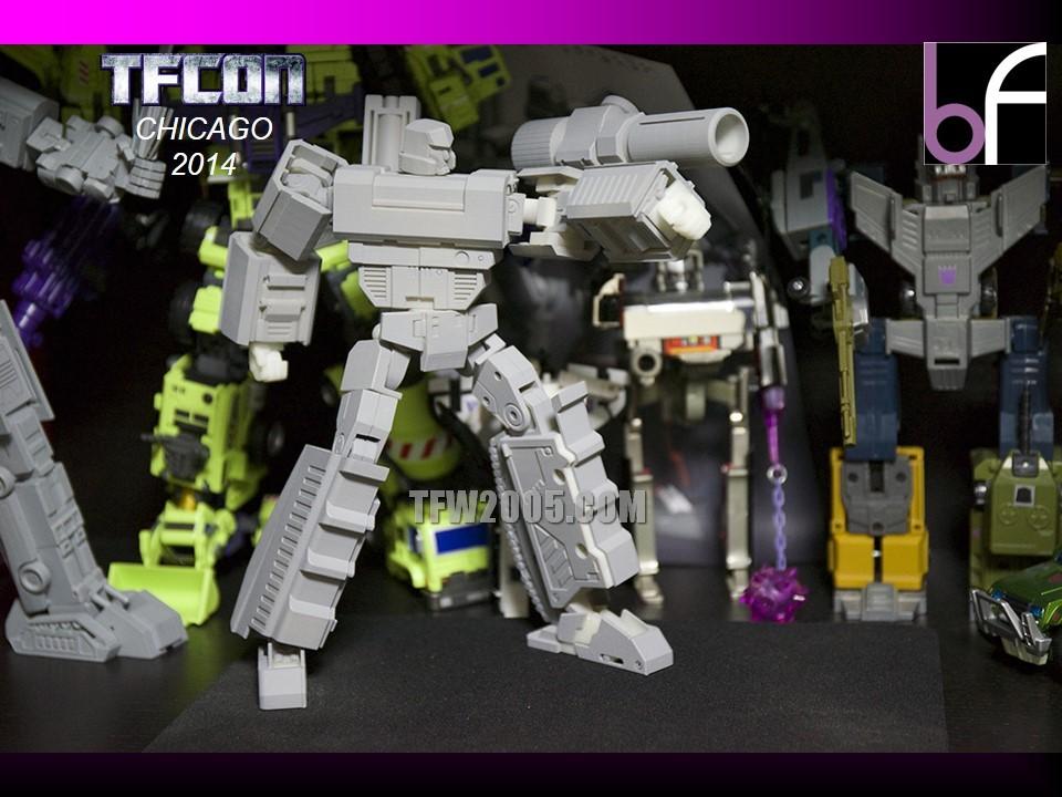 [Bold Forms] Produit Tiers - BF-01 Gladius (aka Mégatron G1) + Lone Wolf (aka Menasor/Menaseur G1) TFCon-2014-3rd-Party-096_1414272612