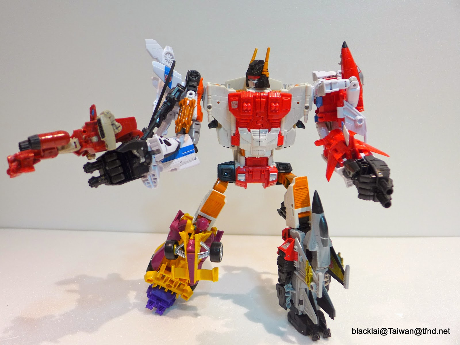 Transformers: Generations Combiner Wars Superion In-Hand ...