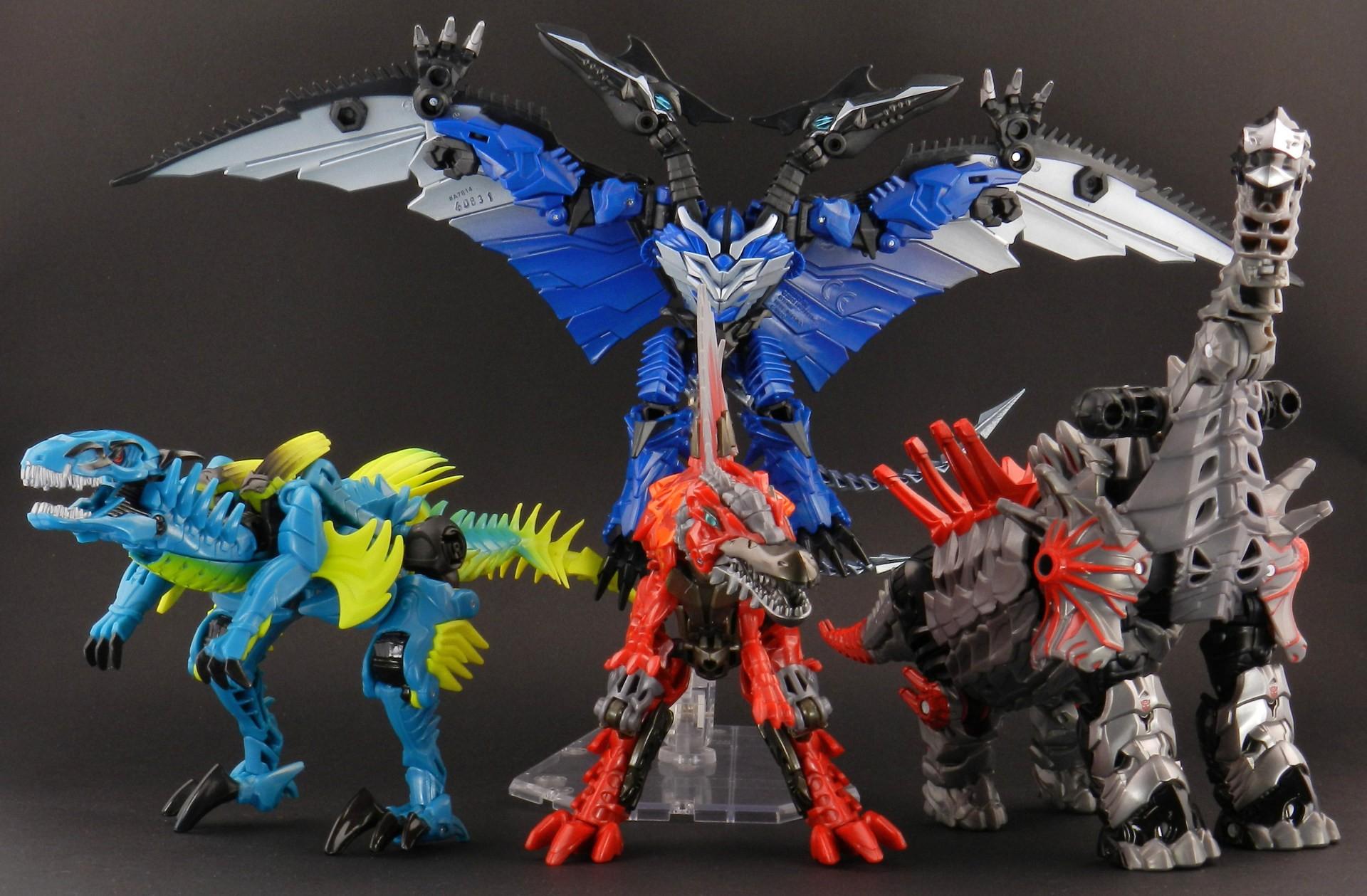 Slash-with-AoE-Dinobots-Dinosaurs
