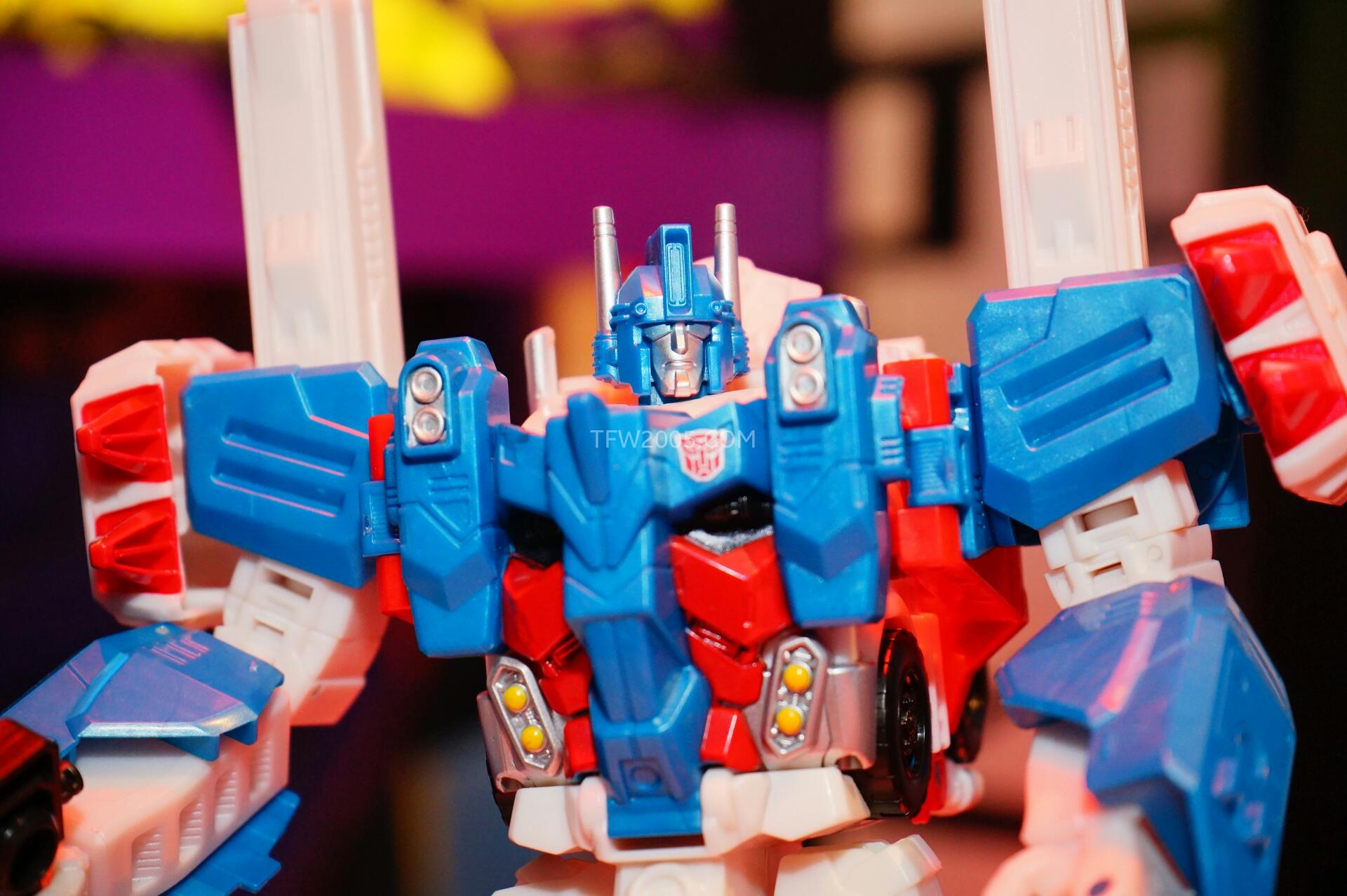 Images for Leader Class Ultra Magnus at Toy Fair Hasbro Event 2015Ultra Magnus Toy