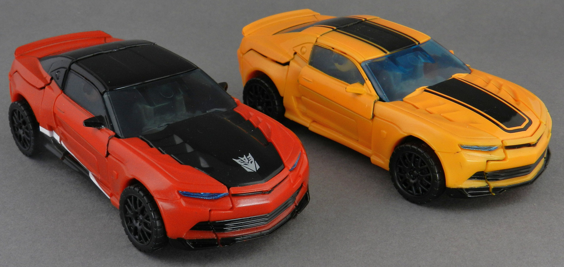 Stinger-with-AoE-Bumblebee-Car-1 TFW's Age of Extinction Stinger ...